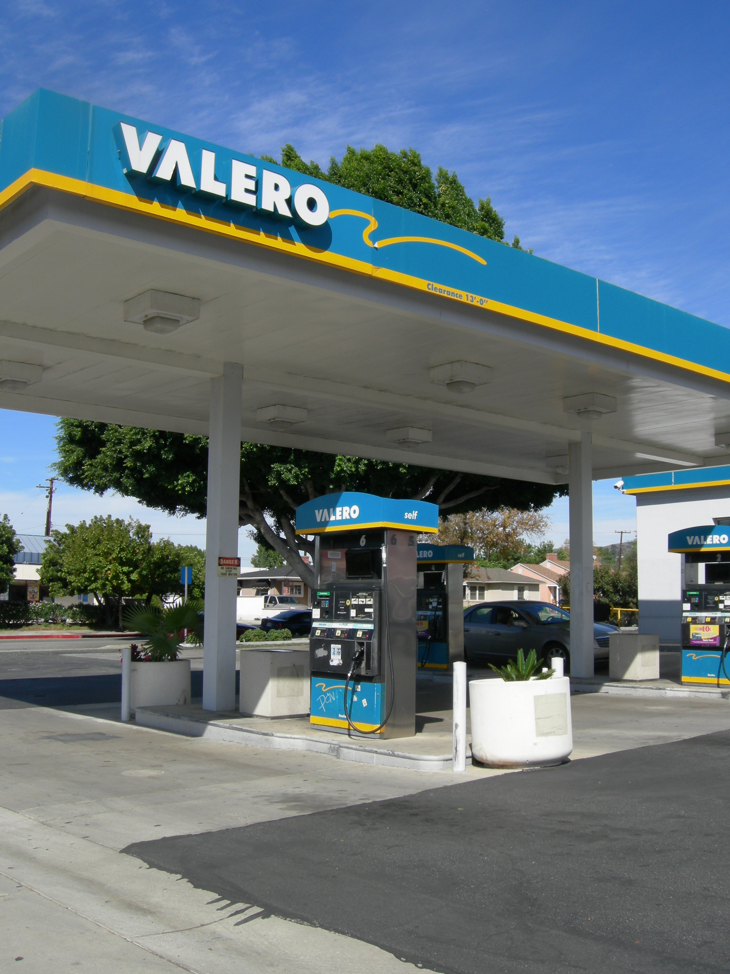 Valero Gas Station With Real Estate Whittier Ca Biz Builder Com