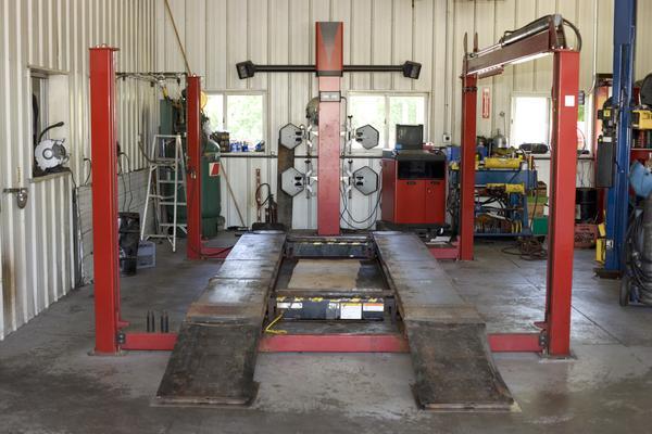 Auto mechanic shop corner lot available biz builder com for Automotive shop design
